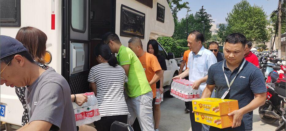 灾害无情 体彩有爱 ——郑州东区分中心驰援韩寺镇瓦灰郭村